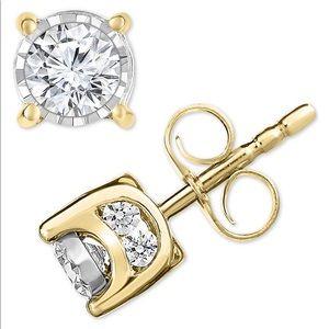 Diamond stud round 1/10 ct wt 10k gold
